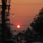 Sonnenuntergang In Den Strassen Von Phimai