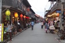 in den Strassen von Chiang Khan (Chiang Khan – 2 Tage in einem idyllischen Städtchen)