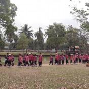 Schulkinder In Pinker Uniform