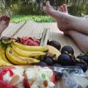 Unser Mittagsmenü – Frisches Obst Im Nong Buak Hat Park