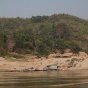 Dorf Am Ufer Des Mekongs