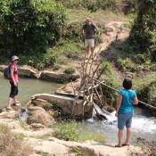 über Bäche Und Flüsse Zum Wasserfall