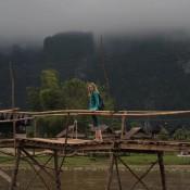 Nicole Auf Der Wackligen Brücke