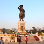 Statue Von King Chao Anouvong (1767 1829) – Er War Der Letzte König Des Früheren Lao Königreichs Von Lan Xang