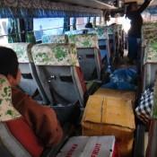 Im Vollgeladenen Bus Nach Ban Nahin