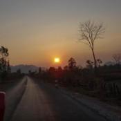 Rückfahrt Nach Ban Nahin – Dem Sonnenuntergang Entgegen