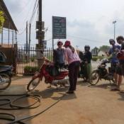 Start Der Mopedtour – Aber Erstmal Tanken