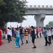 Line Dance An Der Uferpromenade