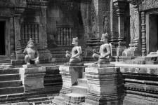 Banteay Srei (Die Tempel von Angkor)