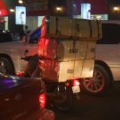 Rush Hour – Manche Mopeds Waren Ziemlich Voll Gepackt