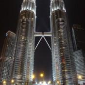 Petronas Twin Towers Bei Nacht