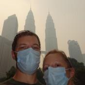 Die Petronas Twin Towers Im Smog