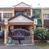 Haus Der Familie Firdausi