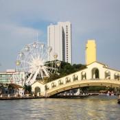 """eye Of Melaka"" Und Jalan Hang Tuah Brücke"