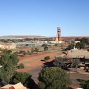 Blick über Kalgoorlie – Im Hintergrund Die Super Pit Goldmine