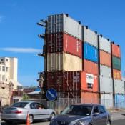 Container Stützen Hausfassaden