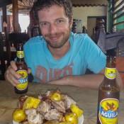 """Kolumbianischer Grillteller """"pariada"""" Und Kolumbianisches Bier"""