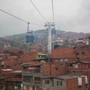 Blick Aus Der Seilbahn über Medellin