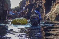 Nicole beim Schnorcheln in Las Grietas (Galapagos – 2 Wochen im Naturparadies)