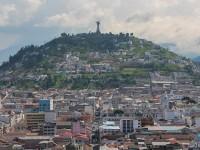 """Blick über Die Altstadt Und Auf Die Statue """"jungfrau Von Quito"""""""