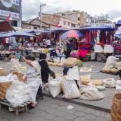 Traditioneller Markt Im Zentrum Otavalos