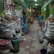Viele Kartoffeln Auf Dem Markt In Puno