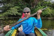 Bootsfahrt über den See (Im Amazonas-Regenwald)