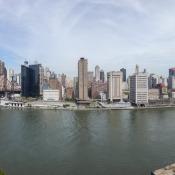 Ausblick von Roosevelt Island auf Manhattan